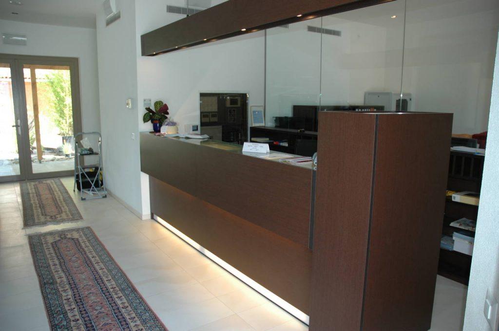 Arredamento Contract | Restyling reception. Chiavegato Contract