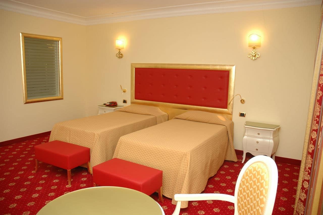 Contract Hotel Terme All'alba di Abano Terme di Padova Arredamento realizzato su misura da Chiavgato