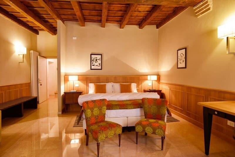 Contract arredi B&B. Affidai professionisti di arredamenti B&B. Bed and breakfast. Chiavegato Verona