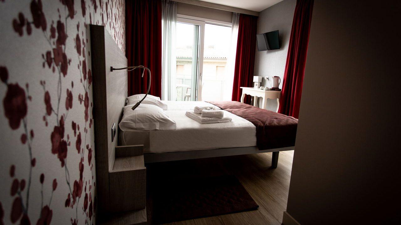 Contract Hotel Alessandra a Garda Verona. Arredamento realizzato su misura da Chiavgato Contract