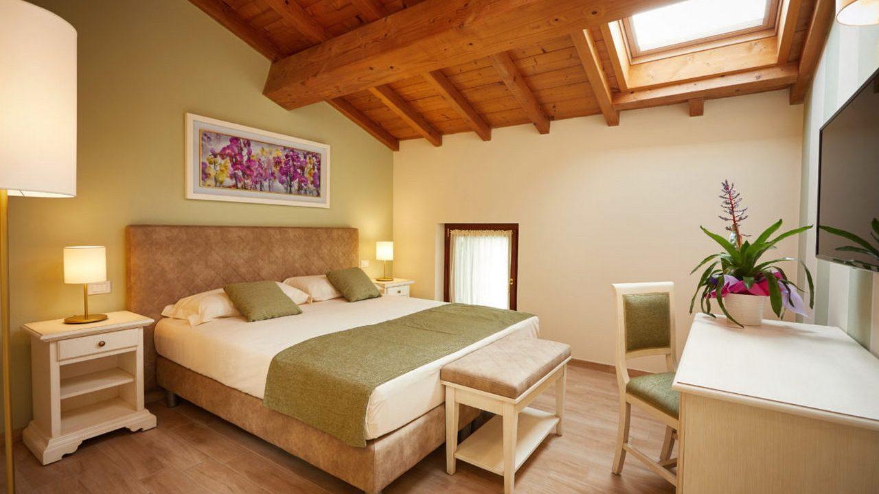 Contract Relais Borgo Romantico di Cavaion Veronese a Verona. Arredamento su misura da Chiavgato